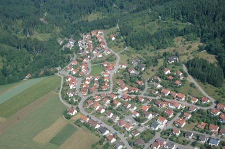 Fornsbach Ortsmitte und Wohngebiete (Luftbild)