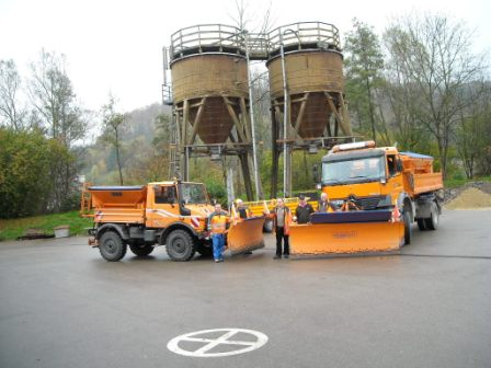 Zweckverband Bauhof Räumfahrzeuge mit Mitarbeitern