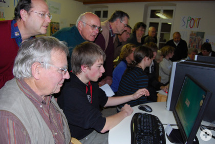 Internet-Cafe-Eröffnung